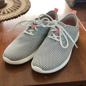 Crocs Literide Mesh Lace Sneaker Size 8